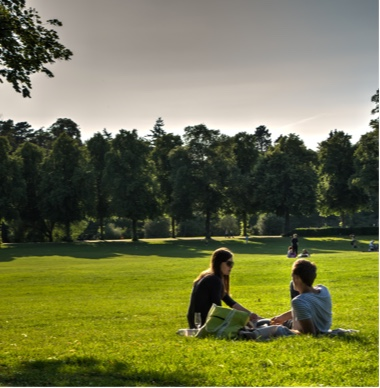 Couple having a picnic in the Quarry Park